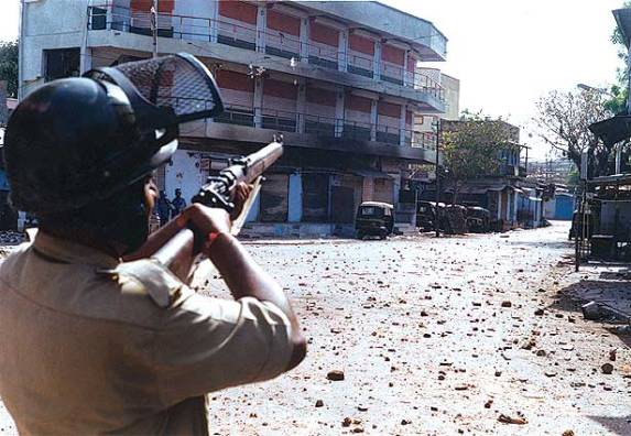 police-firing-on-muslims-protest