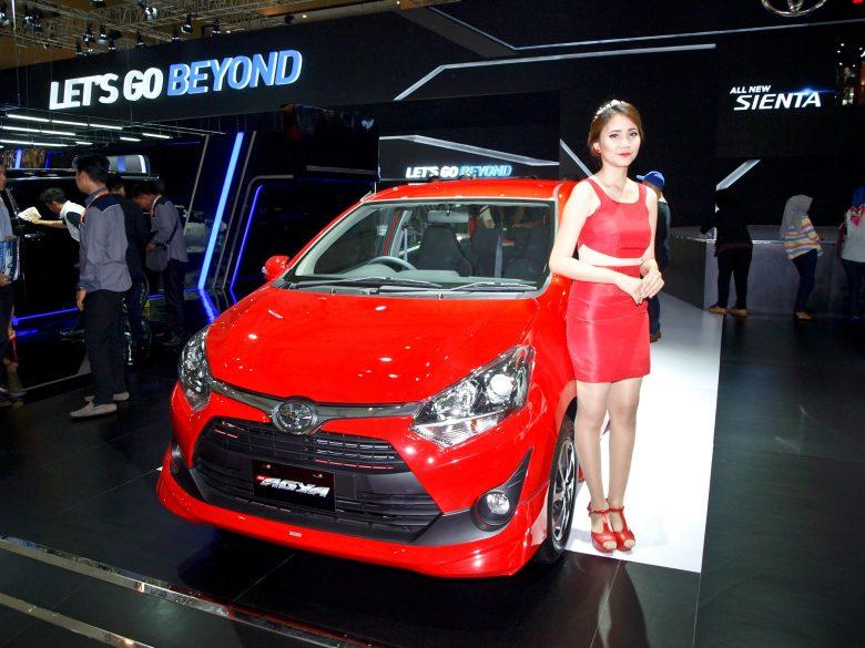 A Sales Promotion Girl in Jakarta - New Naratif