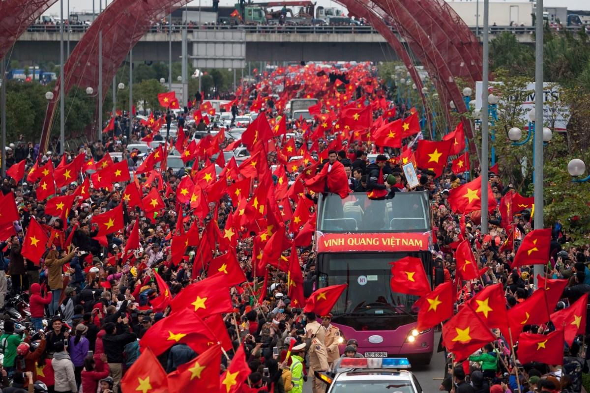 Vietnam Football Fans - New Naratif