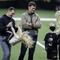 Tom Brady Throws TD Pass To Drew Brees' Son In a Touching Moment After Playoff Game