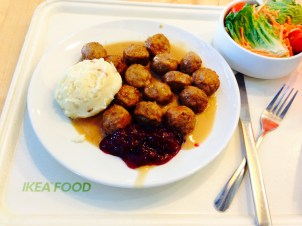 "Swedish meatballs, mashed potatoes, ""brunsås"", and lingonberry jam"