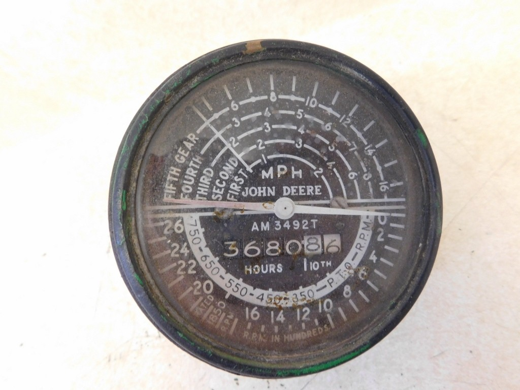 New Paris Tractor Parts – JD 420 430 5 SPEED TACHOMETER 11379