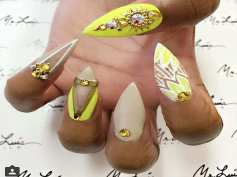 the-happy-yellow-holiday-for-summer-nail-colors