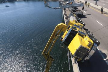 sakonnet Bridge Crane