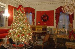 christmas elms newport mansions