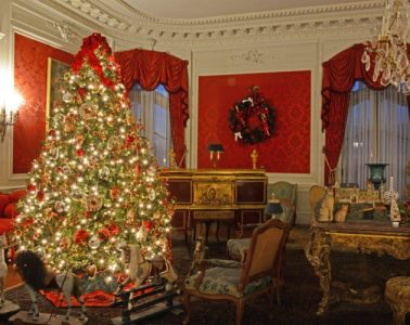 christmas elms newport mansions