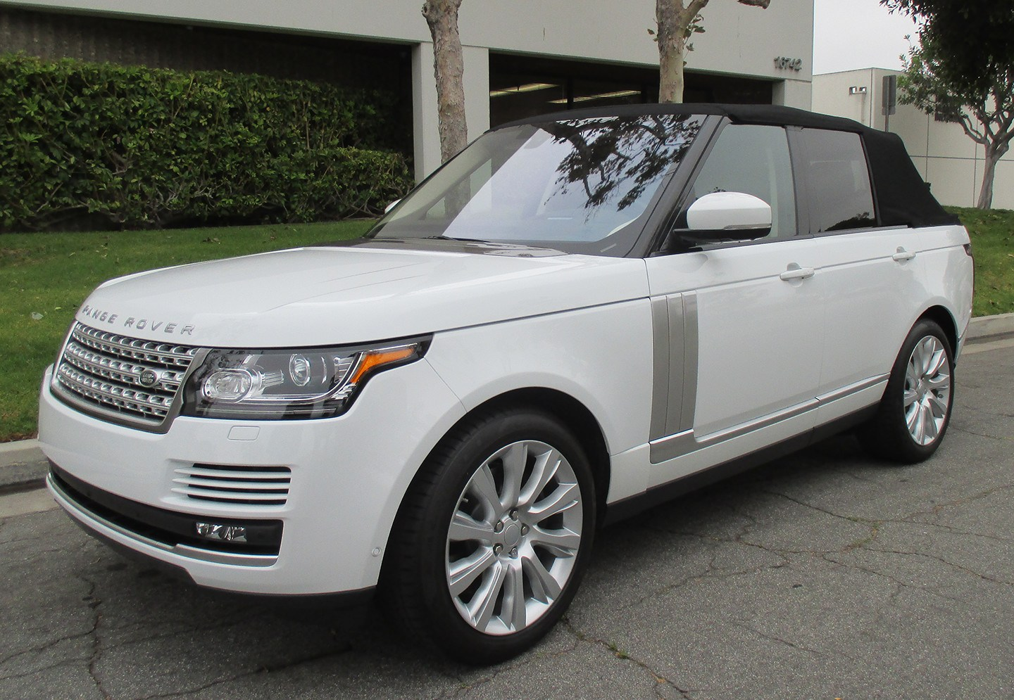 range rover convertible. Black Bedroom Furniture Sets. Home Design Ideas