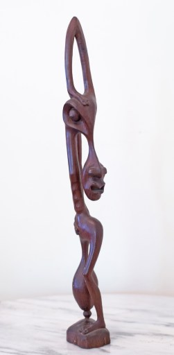 Shetani style appeared in the 1960s, as distorted or grotesque figures of humans and animal spirits of different forms.