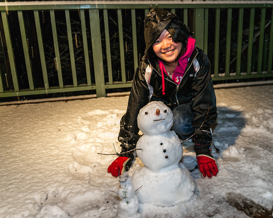 Tomomi in the snow