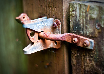 rusty gate latch