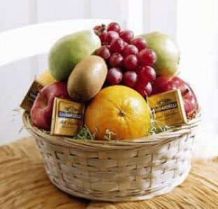 fruit-and-chocolate-basket