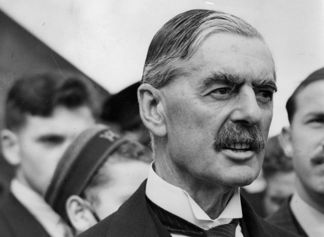 00-British-Premier-Sir-Neville-Chamberlain-return-from-talks-with-Hitler-in-Germany-Sep-24-1938-01