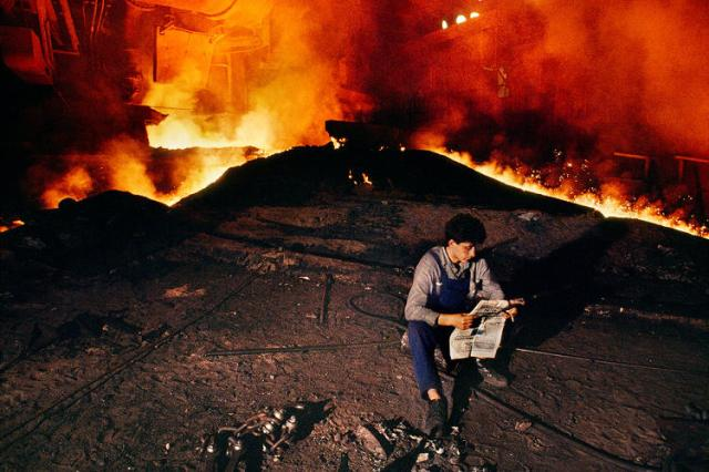 3064267-slide-4-from-nepal-to-cuba-steve-mccurry-documents-the-worlds-reader