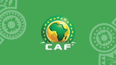 "Photo of صور – طرائف الكرة الإفريقية مستمرة.. لاعب بـ""توك توك"" في إحدى مباريات دوري الأبطال"