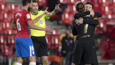 Photo of خبير تحكيمي يثير الجدل ويكشف صحة هدفي برشلونة ضد غرناطة