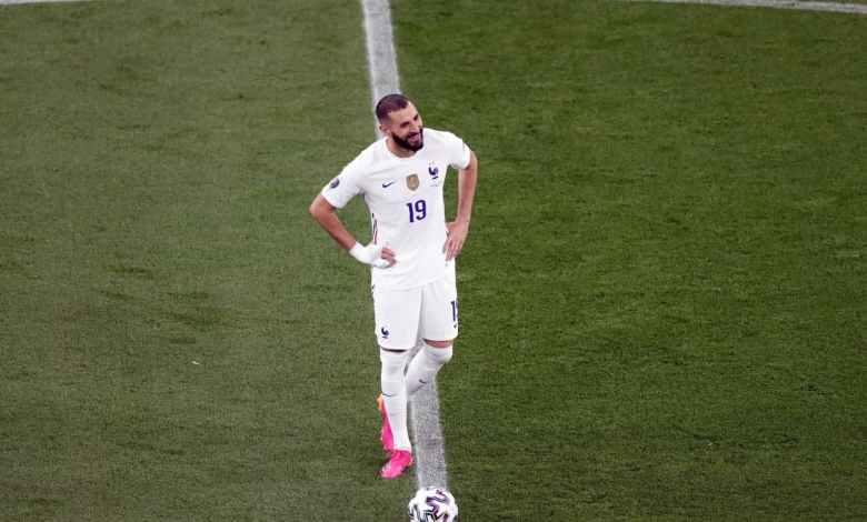 Photo of فيديو – لقطة عاطفية رائعة بين رونالدو وبنزيما قبل مباراة فرنسا والبرتغال