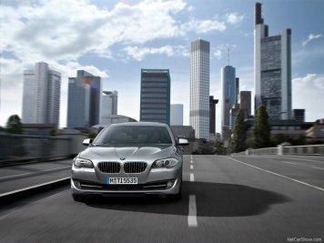 BMW-5-Series_2011_06