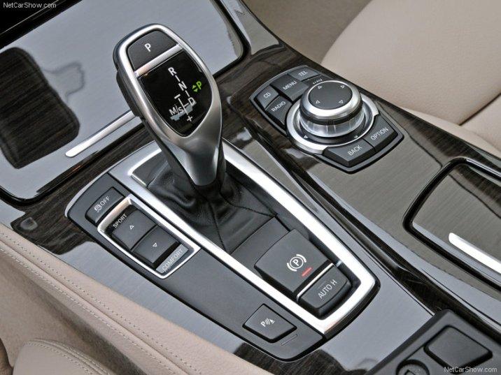 BMW-5-Series_2011_12
