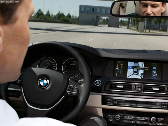 BMW-5-Series_2011_21