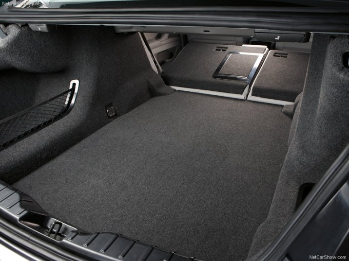 BMW-5-Series_2011_23