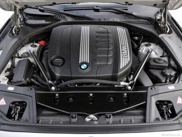 BMW-5-Series_2011_27