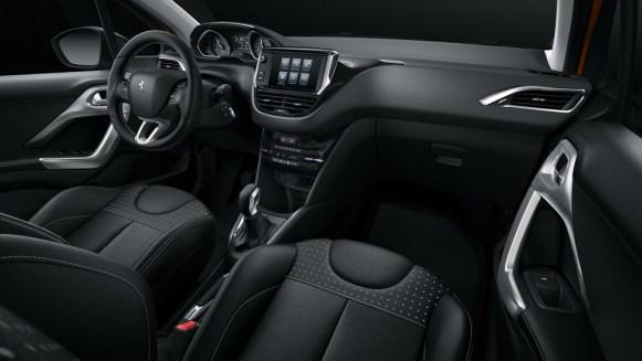 i-cockpit de l'intérieur de la nouvelle Peugeot 208