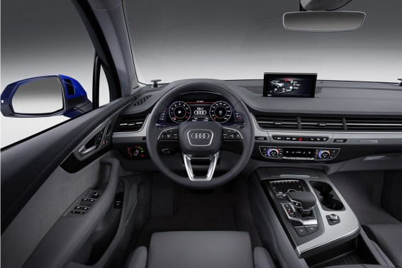 nouveau tableau de bord Audi Q7 2015