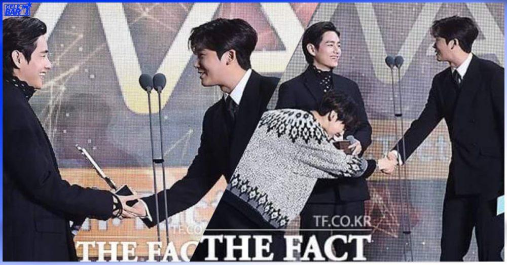 '2021 TMA' စင်မြင့်ထက်မှာ ချစ်စရာကောင်းတဲ့ BFF Vibe ကို ပြသခဲ့တဲ့ V နဲ့ Park Hyung Sik