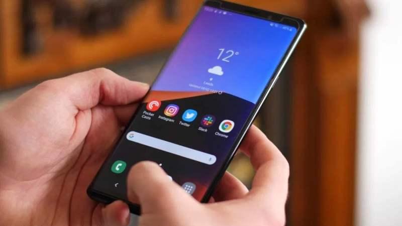 Samsung Galaxy Note 9 сокрушительно рухнул в цене из-за Galaxy S10
