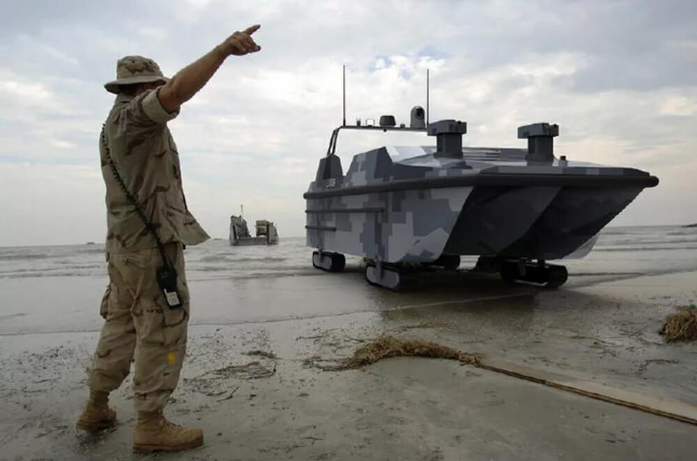 Китай провел испытания первого в мире беспилотного десантного катера-амфибии