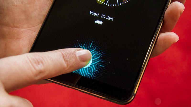 Touch ID в iPhone 6s оказался лучше, чем дисплейные сканеры во флагманах на Android