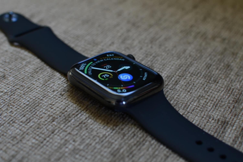 Apple Watch Series 5 получат керамический и титановый корпус
