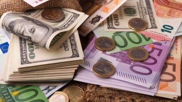 Доллар и евро синхронно подорожали: курс валют в Украине на 29 ноября