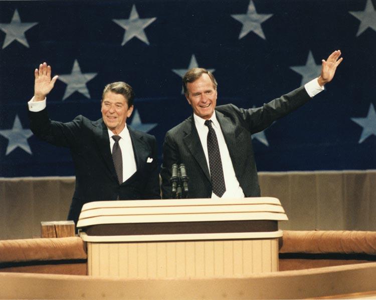レーガンとジョージ・H・W・ブッシュ