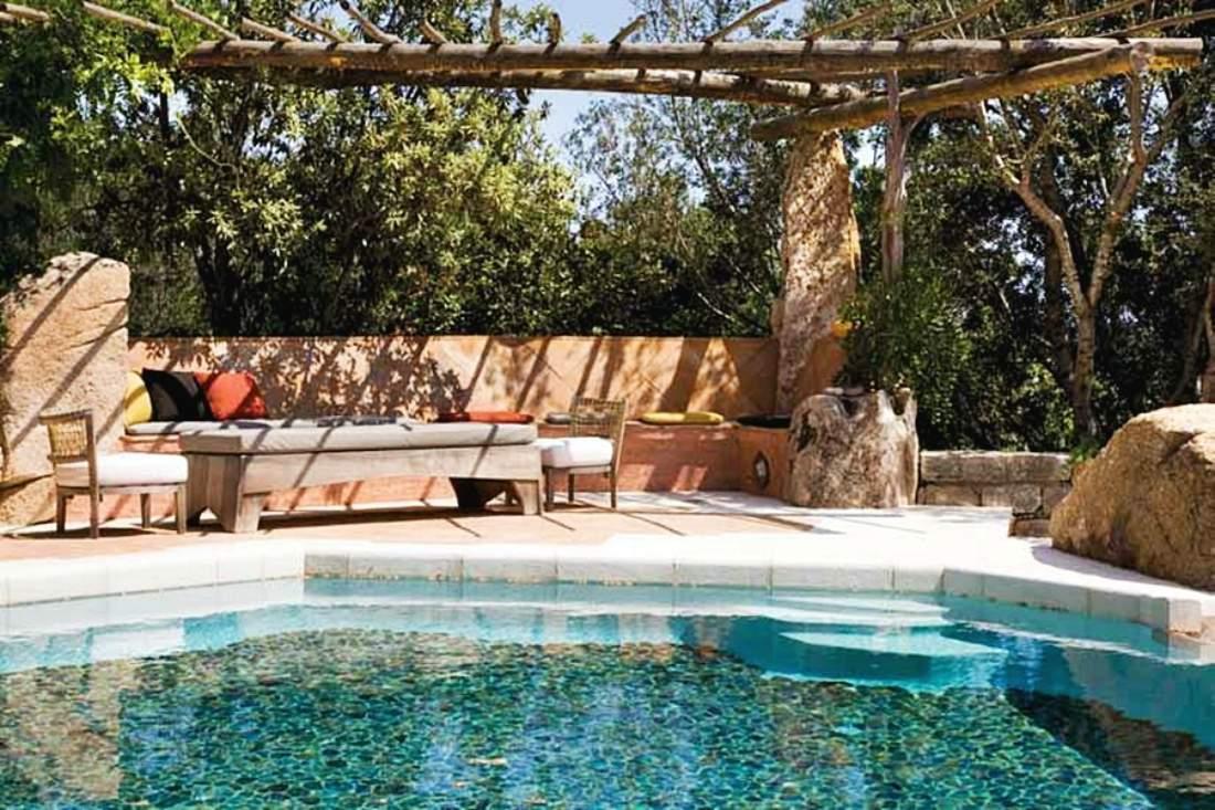 Villa Sirea was built by architect Savin Couelle