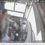 中国バス転落