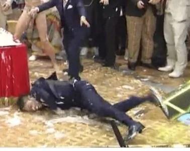 画像・動画あり。爆笑問題の太田が激しく転倒。フジテレビENGEIグランドスラム