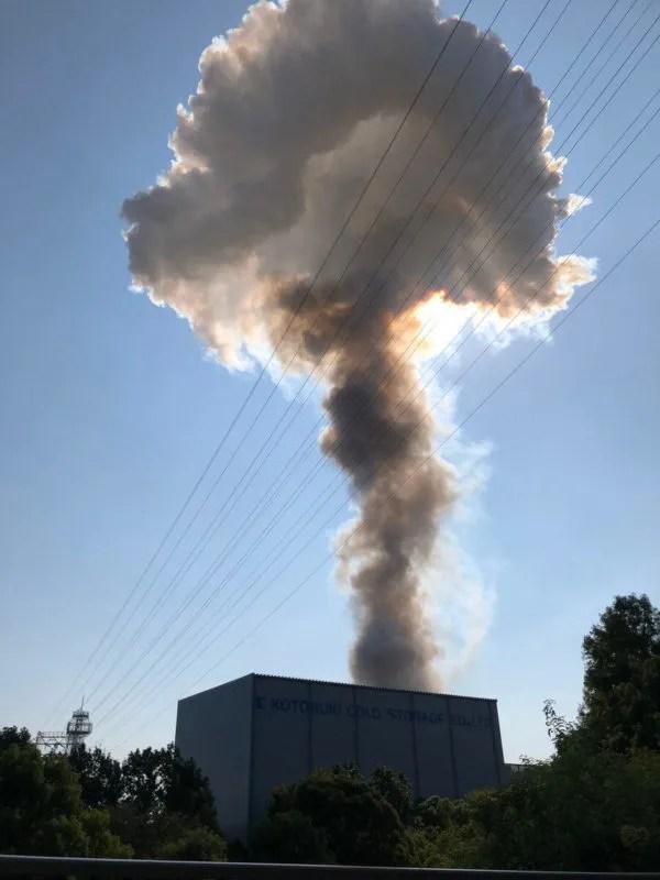 キンセイマテック工場 爆発火災 キノコ雲