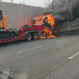 東関東自動車道 谷津船橋IC付近 トラック炎上