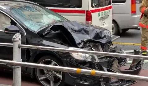 上野広小路 御徒町駅前 カワサキ ボルボ 衝突事故  2020年6月20日