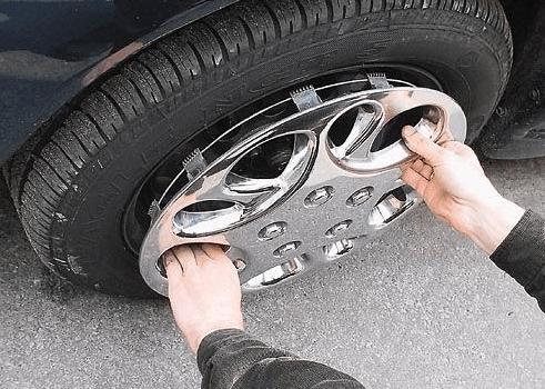 В Ессентуках установили подозреваемого в нескольких кражах колес с автомобилей