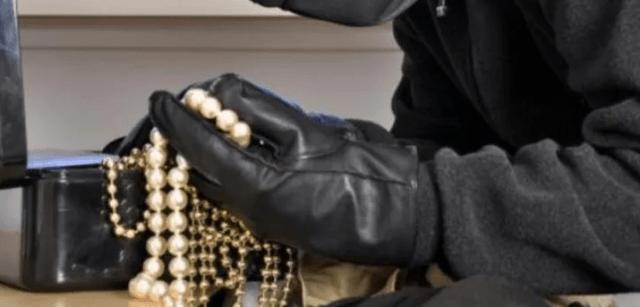 Задержан подозреваемый в краже ювелирных изделий стоимостью более ста тысяч рублей