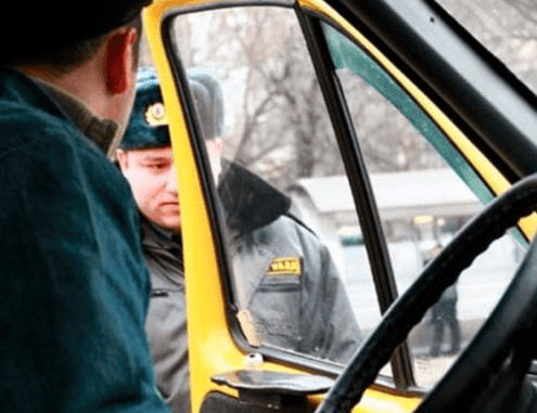 Двух водителей маршрутных такси с признаками опьянения задержали на Ставрополье