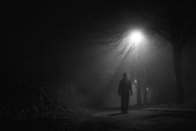Рыбаки забыли школьника на ночной неосвещенной трассе на Ставрополье