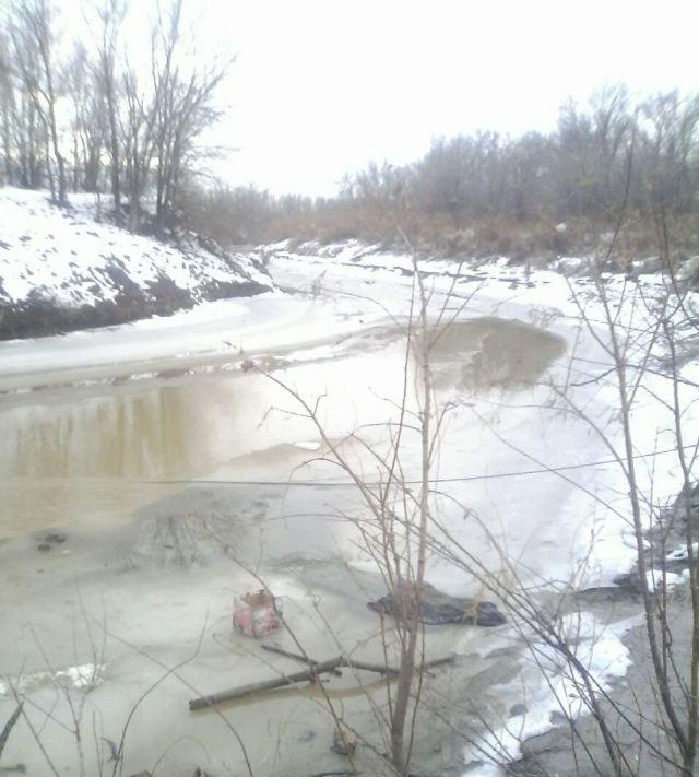 Спасатели достали из канала водохранилища труп утонувшего мужчины в Георгиевске