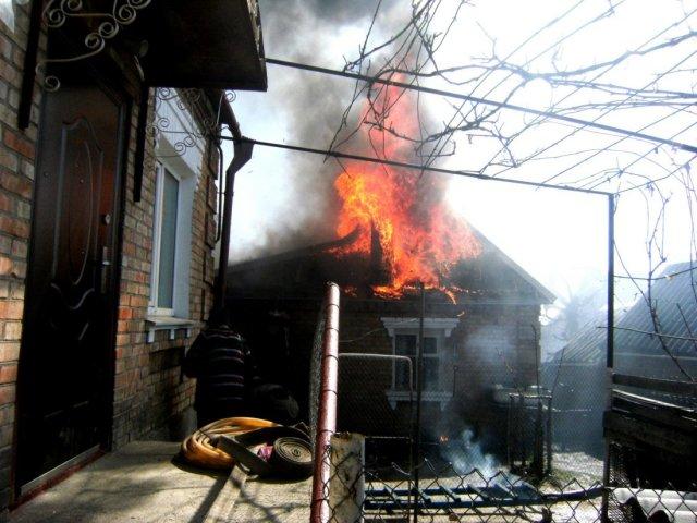 Дом многодетной семьи от уничтожения  спасли пожарные на Ставрополье