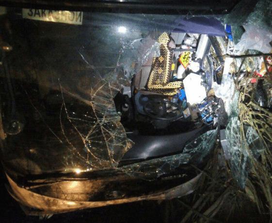 Автобус с 40 пассажирами перевернулся в Нижегородской области