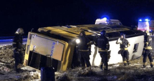 В Эстонии перевернулся автобус из Санкт-Петербурга