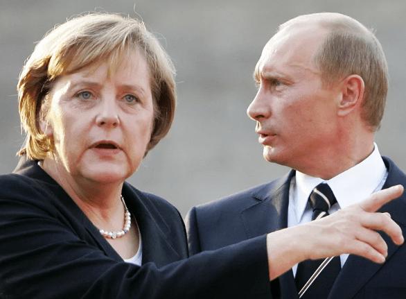 Путин и Меркель проводят переговоры в Кремле