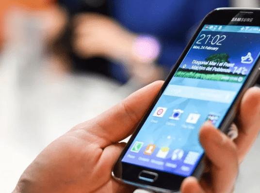 Samsung готов выполнять требования законодательства РФ по предустановке российского ПО на гаджеты